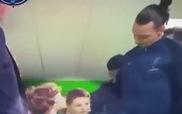 Ibrahimovic và hành động trượng nghĩa bảo vệ cậu bé mascot