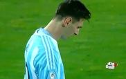 Phản ứng của Messi khi chứng kiến các cầu thủ Argentina và Chile thực hiện loạt sút phạt đền cân não
