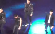 "Fancam B.A.P biểu diễn ""One Shot"" tại ""Music Bank in Mexico"""