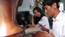Hành trình 18 năm của người cha miệt mài tìm lại ngôn ngữ cho cô con gái câm điếc