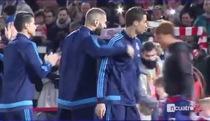 Ronaldo bị đau bụng trong trận gặp Granada