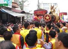 """Hàng nghìn người phấn khích với lễ rước pháo """"khủng"""" ở Đồng Kỵ"""