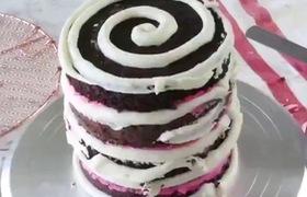 Cùng xem cách làm bánh kem  dâu nhiều tầng