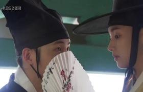 Sungkyunkwan Scandal: Song Joong Ki thân mật với Park Min Young