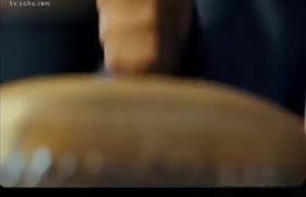 Phùng Thiệu Phong lần đầu tiên diễn cảnh nóng táo bạo
