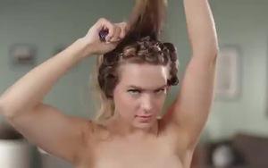 Những kiểu tóc của cô dâu từ những năm 1960 cho đến nay