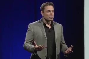 Elon Musk diễn thuyết