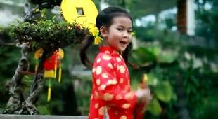 Cô bé 8 tuổi có MV đạt gần 50 triệu lượt view trên Youtube