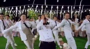 MV Happy Wedding - Thủy Tiên và Công Vinh