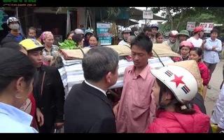 Chủ tịch tỉnh xuống đường giúp đỡ hoàn cảnh khó khăn