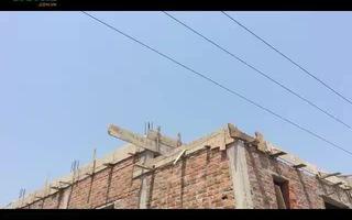 Cận cảnh ngôi nhà xây ngay dưới đường điện gây chết người