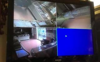 Video băng cướp hung hãn xông vào tiệm vàng Ngọc Bốn