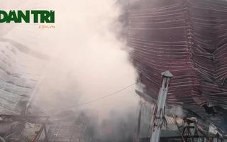 Hiện trường tan hoang sau vụ cháy ở gần đường Giải Phóng