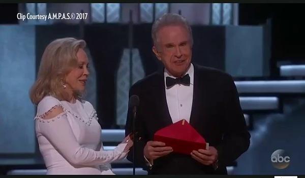 Khoảnh khắc đi vào lịch sử Oscar khi lần đầu tiên trao nhầm giải.