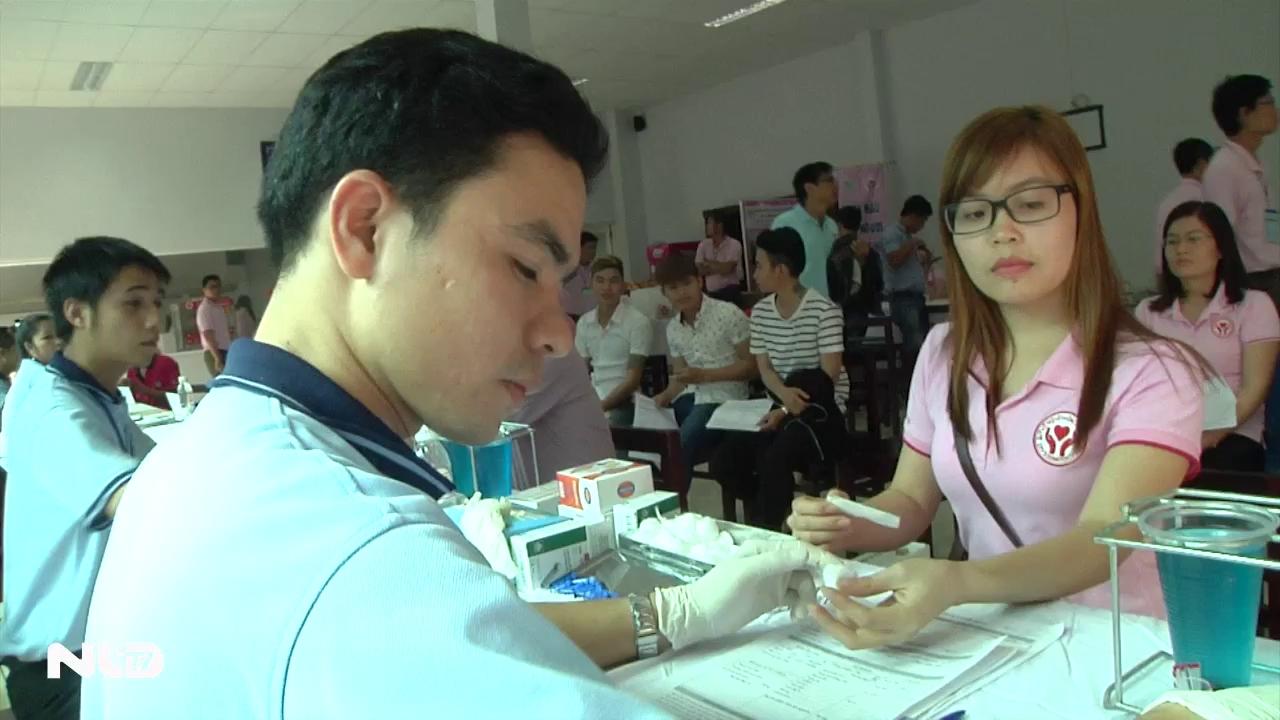 Ghi nhanh: Hành trình Đỏ tại TP HCM: Hơn 300 đơn vị máu được hiến