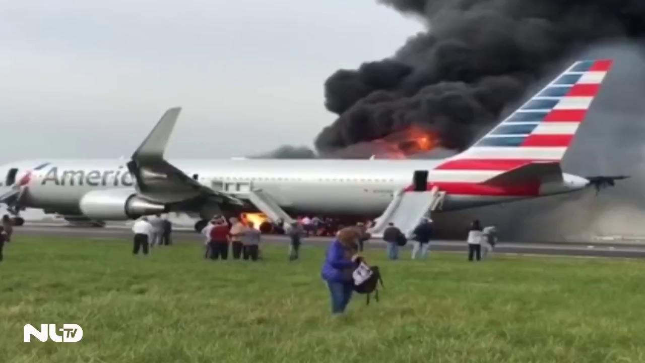 Clip: Boeing 767 bốc cháy trên đường băng