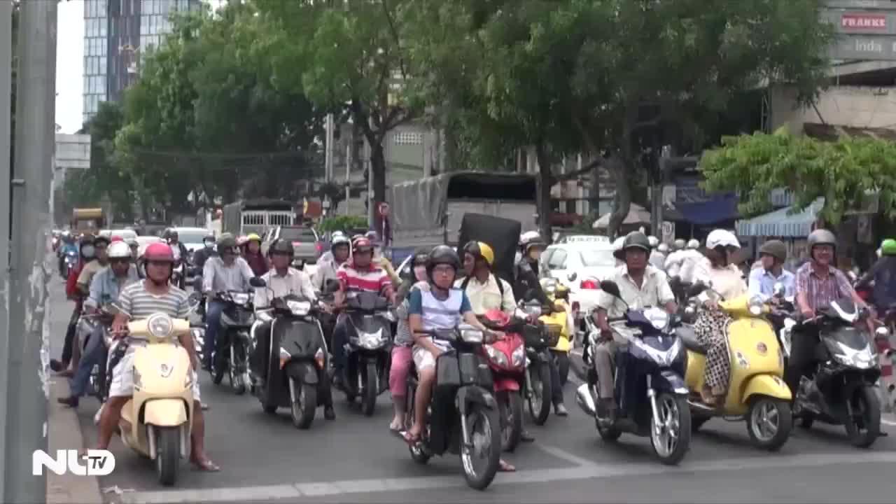 Chính phủ đồng ý dừng thu phí sử dụng đường bộ với xe máy