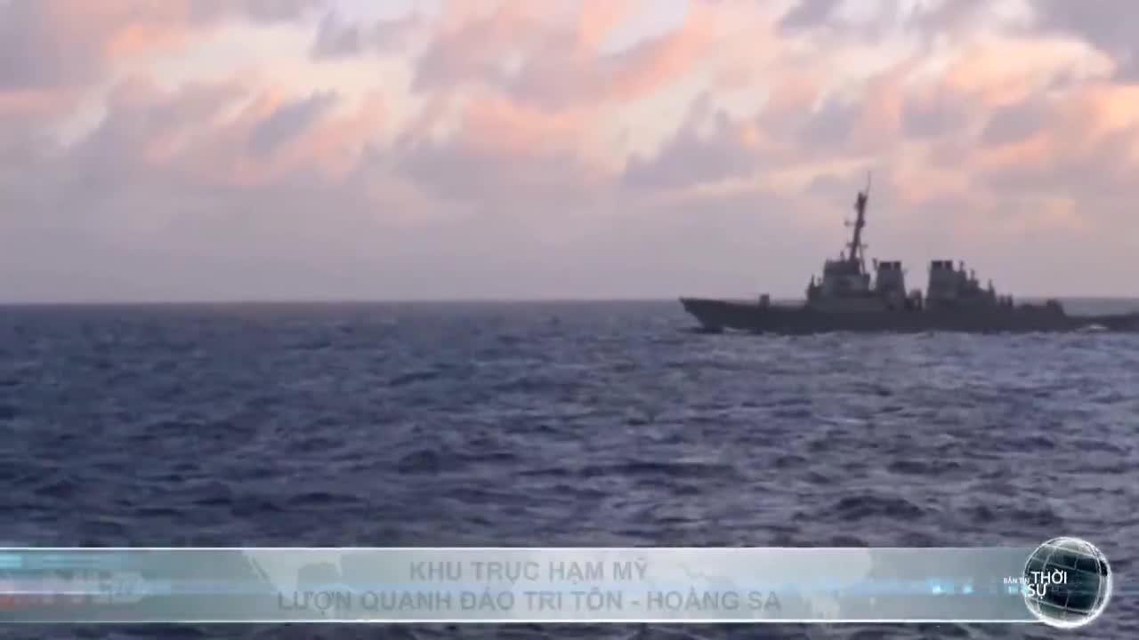 Khu trục hạm Mỹ lượn quanh đảo Tri Tôn - Hoàng Sa