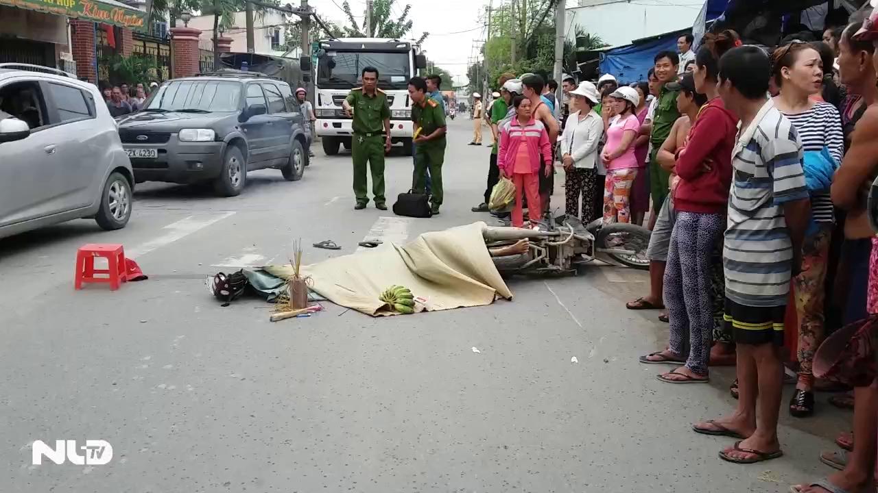 Người đàn ông chết thảm dưới bánh xe tải