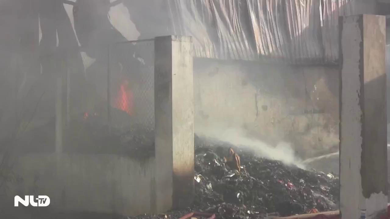 700 m2 xưởng phế liệu bị thiêu rụi ở quận 9