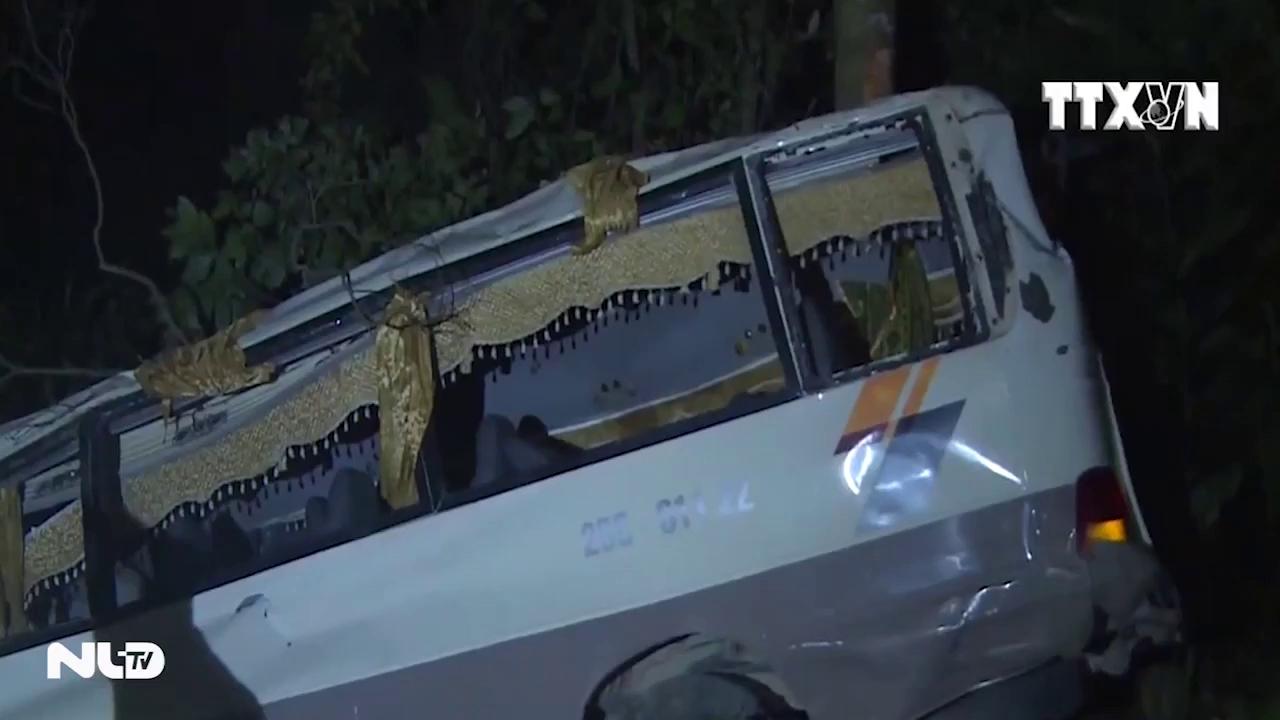 Xe khách lao xuống vực ở Lào Cai, 1 người chết, 22 người bị thương