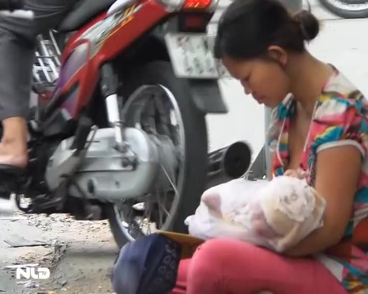 Phóng sự: Cận cảnh những người ăn xin trên đường phố