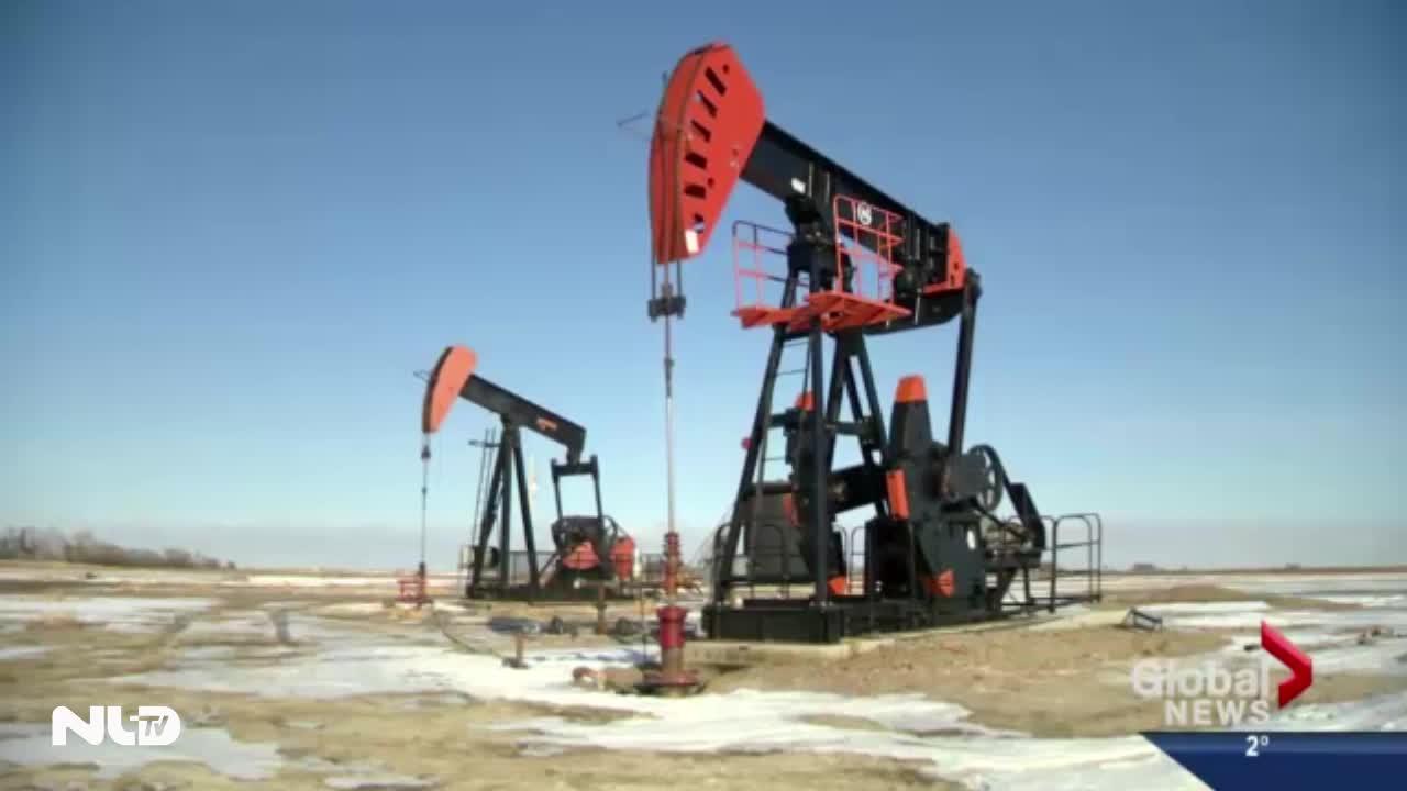Đồng USD áp sát mức cao nhất, giá dầu xuống đáy 6 năm