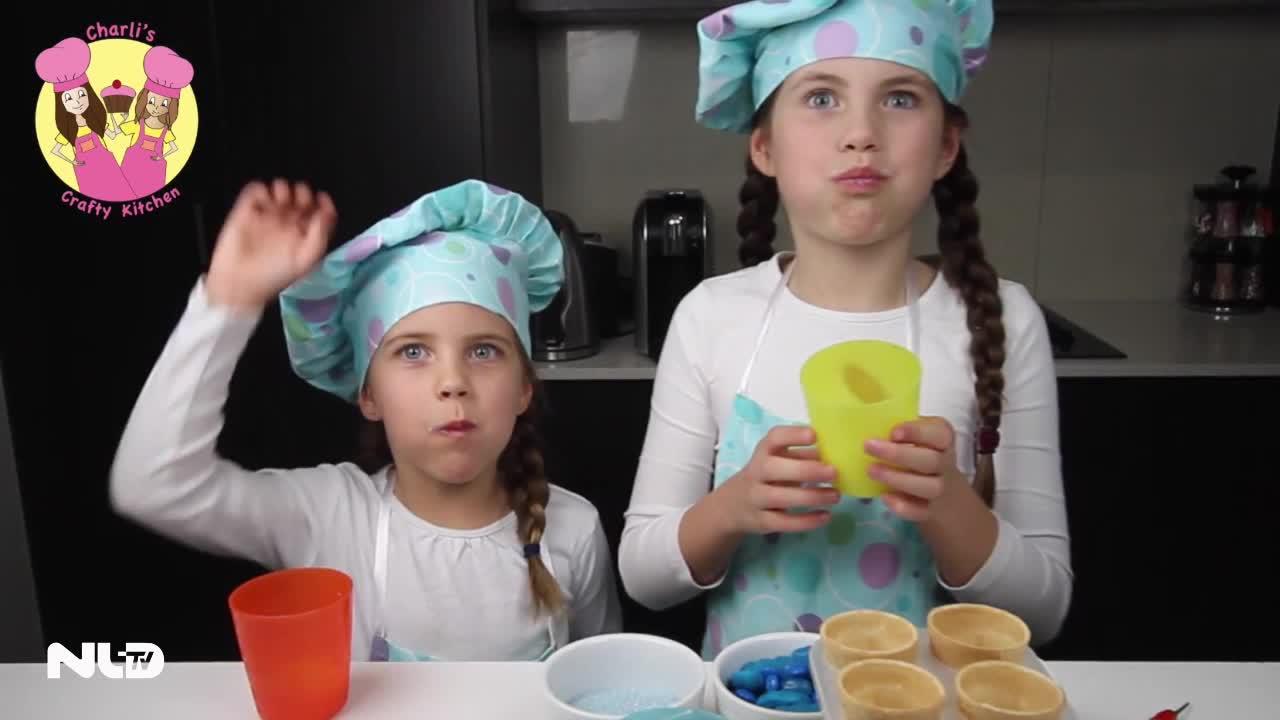 Bé gái 8 tuổi kiếm 2,75 tỷ đồng/tháng nhờ YouTube