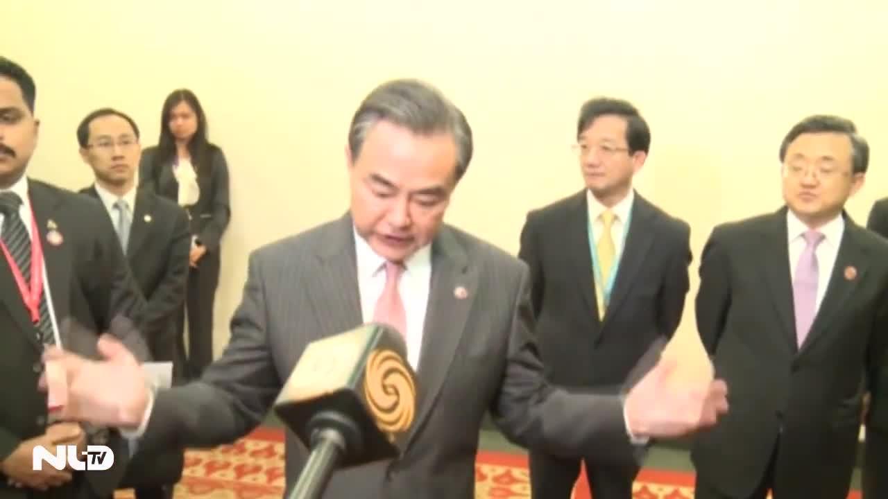 """Trung Quốc tuyên bố """"dừng bồi đắp"""" các đảo trên biển Đông (?)"""