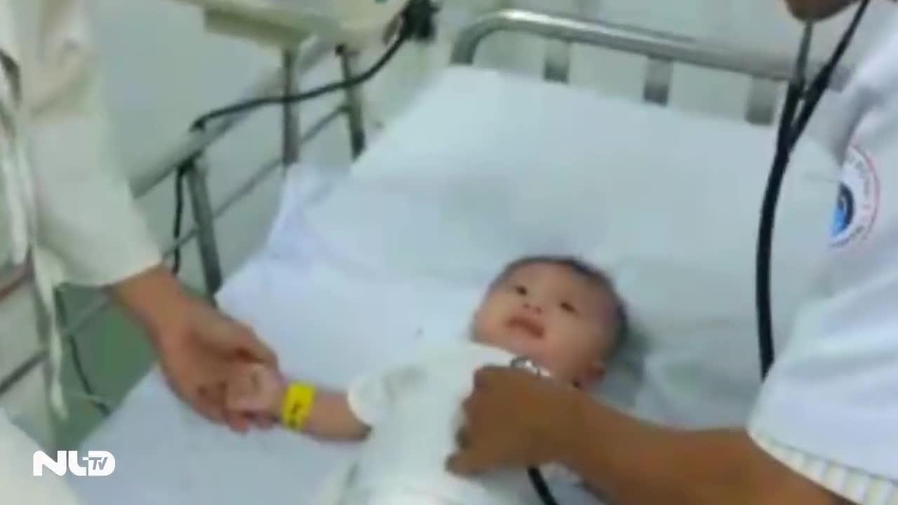 Bé trai bị đâm xuyên sọ nhập viện do viêm màng não