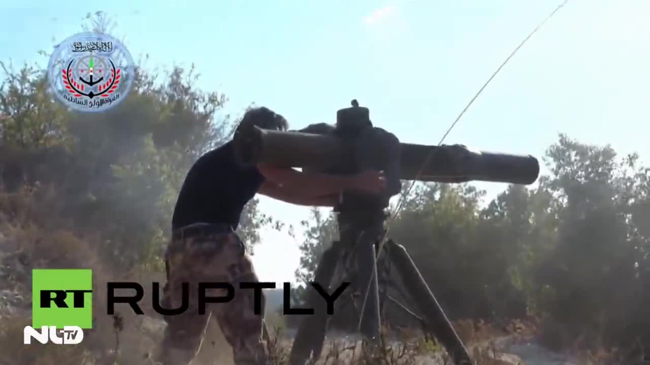 Video: Quân nổi dậy Syria bắn nát trực thăng Nga
