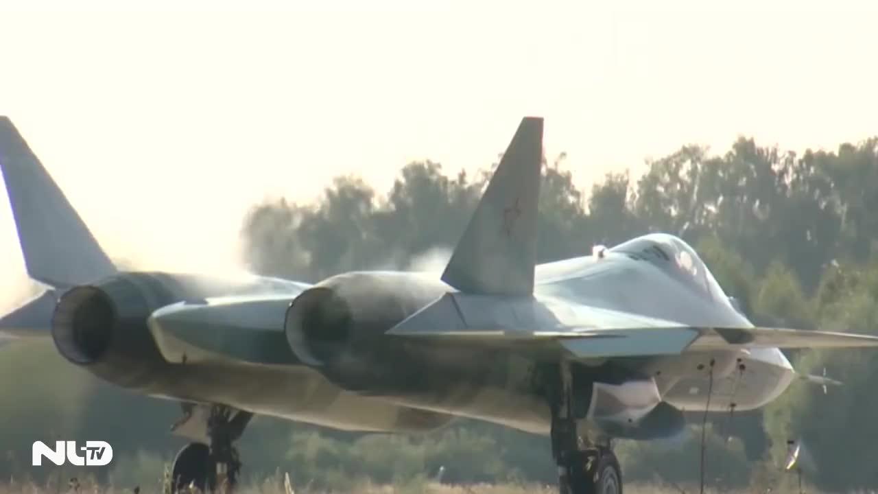 Siêu tiêm kích Sukhoi T-50 của Nga tối tân như thế nào?