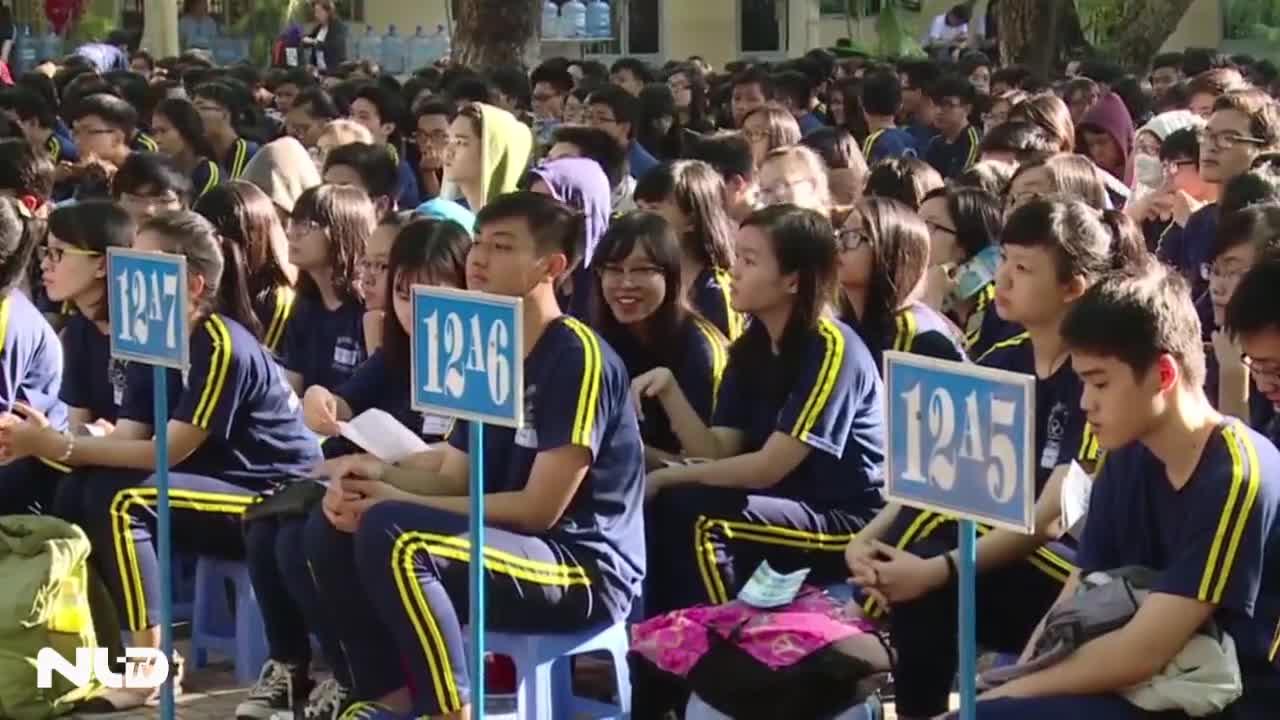 Hơn một ngàn học sinh, phụ huynh được tư vấn tuyển sinh tận tình