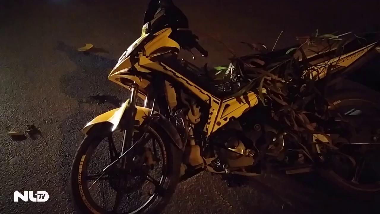 TP HCM: Xe máy đối đầu trong đêm, 3 người nhập viện