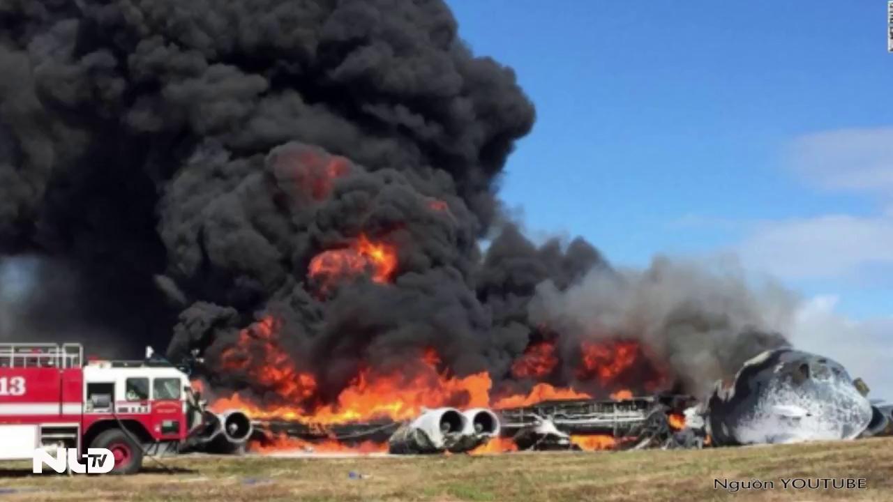 B-52 của Mỹ rơi tại đảo Guam, bốc cháy dữ dội