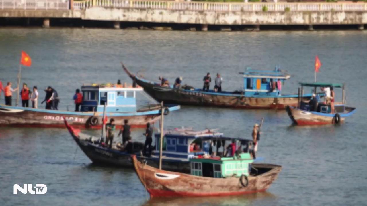 Chìm tàu du lịch trên sông Hàn, vẫn còn 3 người mất tích