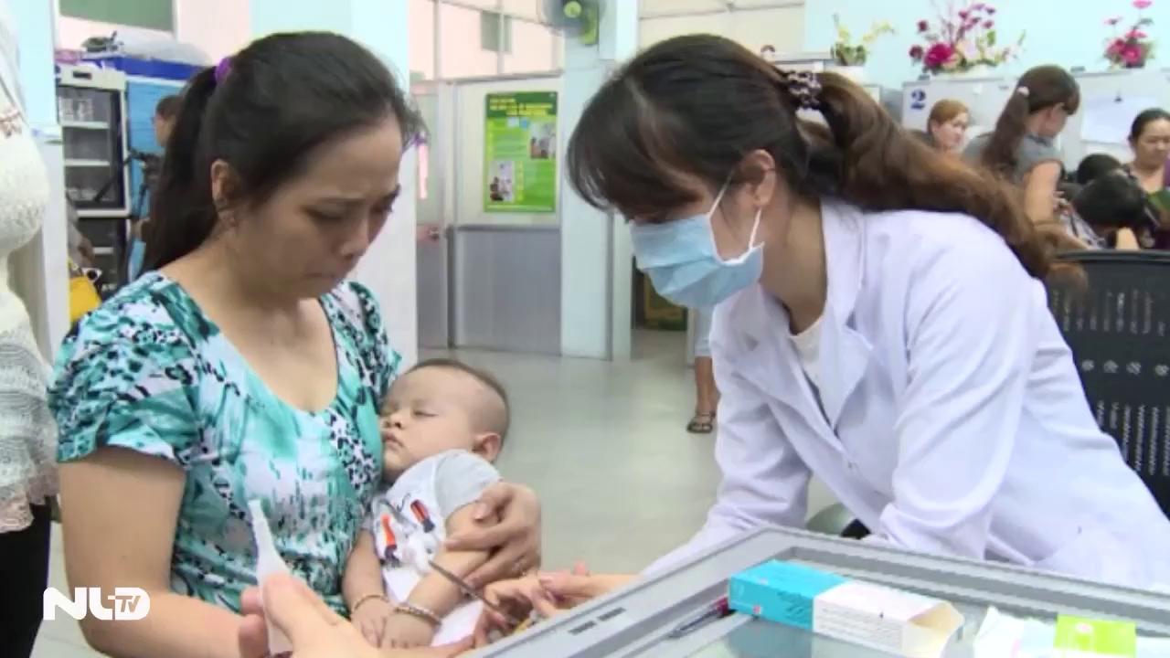 TP HCM: Tiêm miễn phí vắc-xin 6 trong 1 cho trẻ em