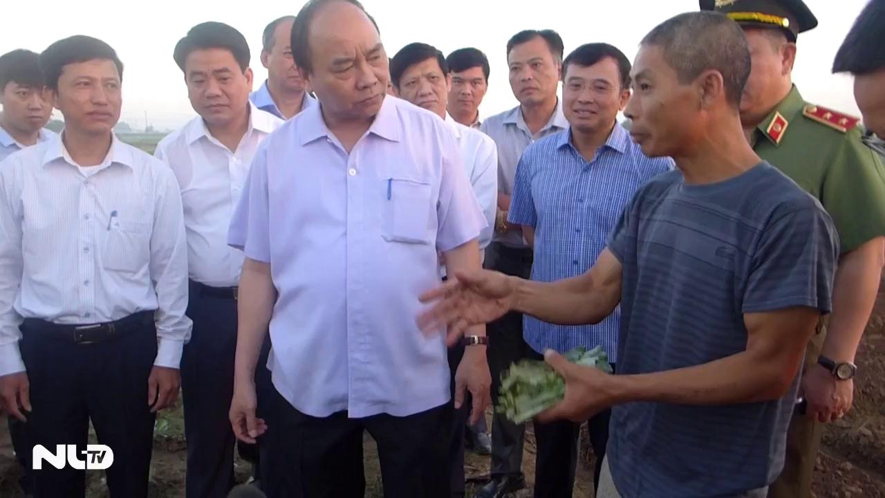 Thủ tướng Nguyễn Xuân Phúc bất ngờ kiểm tra chợ đầu mối Long Biên