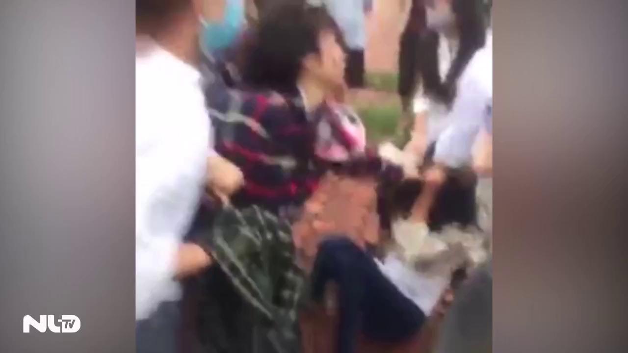 Clip: Nữ sinh Thanh Hóa lao vào đánh nhau dữ dội