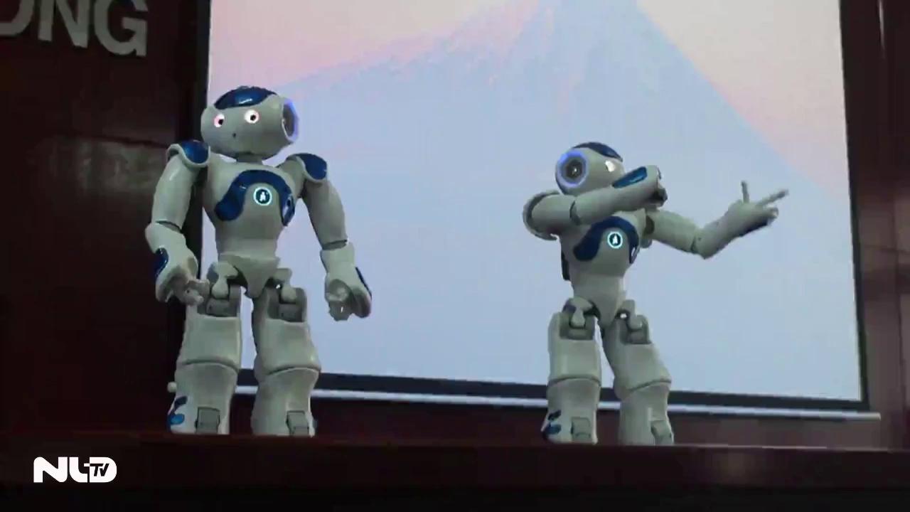 Mua robot Nhật Bản phục vụ giảng dạy