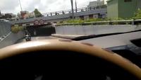 Muốn nhanh nên đi ngược chiều, xe máy muốn đến đâu?