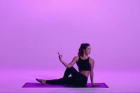 Yoga: Tư thế xoay nửa người