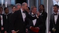 Giây phút công bố nhầm giải Phim hay nhất tại Oscar 2017