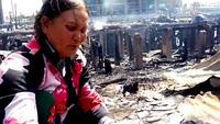 Dân nghèo xót xa bới tìm tài sản sau vụ cháy hơn 70 ngôi nhà ở Nha Trang
