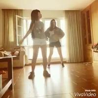 Lưu Hương Giang ngẫu hứng tập nhảy sau thời gian sinh con ở nhà cùng cháu gái.
