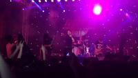 Sinh viên Hà Nội cuồng nhiệt với màn hát rock của nhóm Ngũ Cung