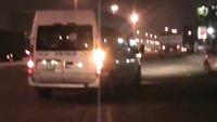 Hình ảnh công an đón lõng, bắt nghi can trộm két sắt trốn trên xe khách.