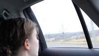 Ý tưởng kính cửa sổ xe ô tô thông minh với khả năng tương tác cực thú vị của Toyota