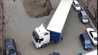 Màn cua xe ở góc hẹp điệu nghệ của tài xế xe tải