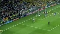10 bàn thắng đẹp của Ibrahimovic: Số 8 vs Italia